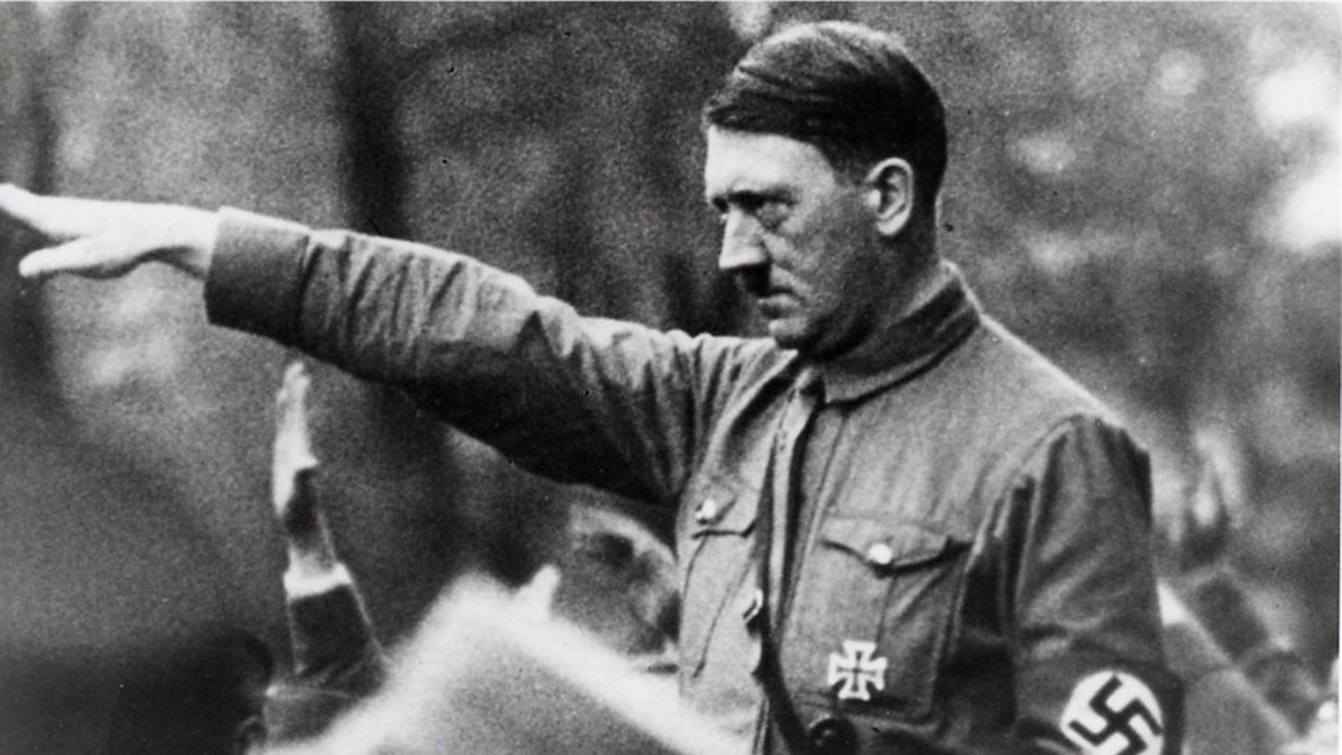 ドイツで【ナチス式敬礼】を行うと逮捕される