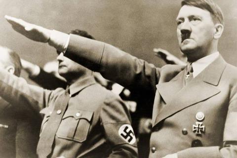 敬礼 ナチス ナチス式敬礼のやり方とは?意味や逮捕される理由についても